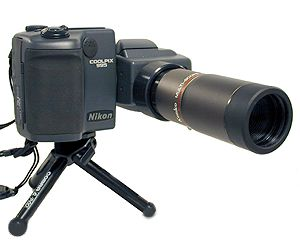 Nikon CoolPix 995 with Accessory Telephoto Lens